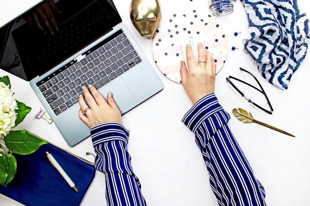Blogger work desk
